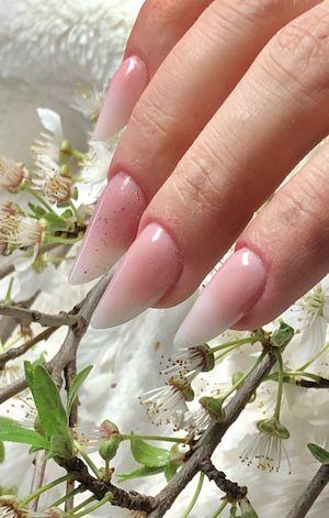 BABY-BOOMER sur ongle en gel nail art o'xess nails systems